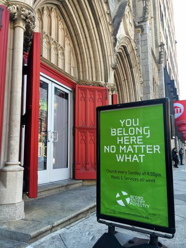 A sign welcomes all to Broad Street Ministry. (Photo by Julia Watkins)]