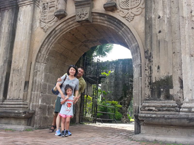 Siteseeing at the gates of Fort Santiago in Intramuros