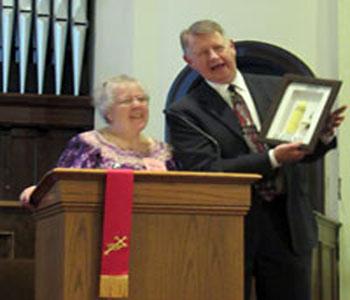 2.Sheldon Sorge, Executive Presbyter of Pittsburgh Presbytery, receives Gitarama's gift