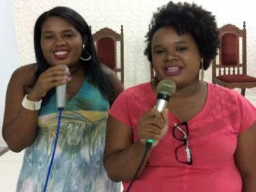 Iziane and Isis singing in church