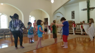 Children participate in Arts and Science Literacy Camp, a collaboration between four churches in Milwaukee, Wisconsin. (Photo courtesy Tippecanoe Presbyterian Church)