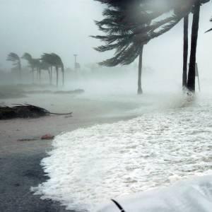 Hurricane batters Florida coast