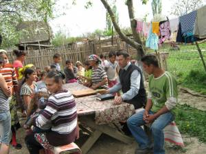 Sunday afternoon service at Ticebokeny camp