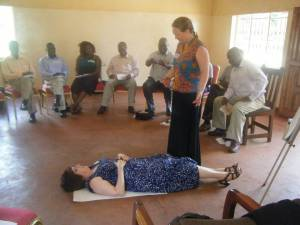 Luta Garbat-Welch and Debbie Braaksma doing a role play during a CHE Training