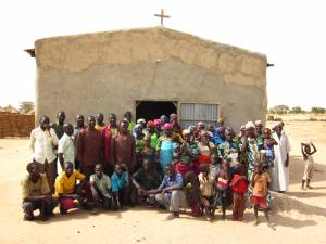 A typical EERN village congregation.