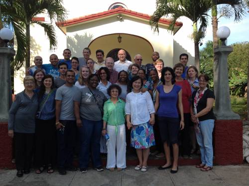 Students and faculty of Cuba's Matanzas Seminary and Louisville Presbyterian Seminary together for an intensive course on mission in our context