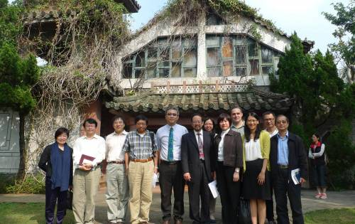 Faculty and alumni in front of Taiwan Seminary's chapel