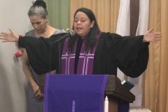 Rev. Eileen Rivas of Mision Presbiteriana Rio Grande giving benediction