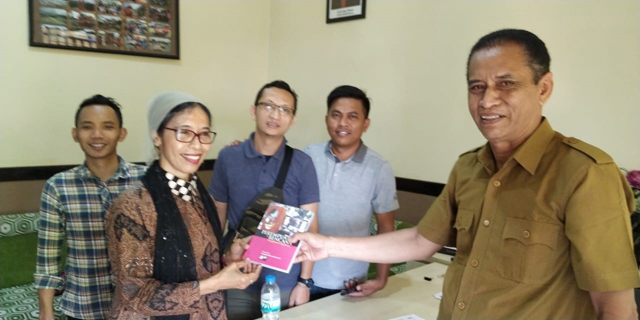 Submitting my book on women and disaster — Experiences in Yogyakarta.
