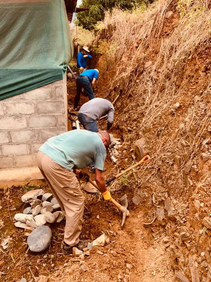 FPC Jackson work team building a rock wall. San Martín, Peru. (Photo: Susannah Gordon White)