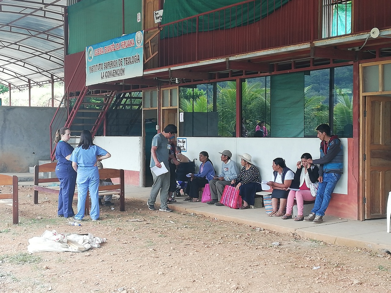 The medical campaign carried out at the Sajiruyoc Bible Institute. San Martín, Peru