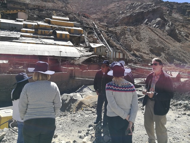 A delegation visiting Huanuni, Bolivia, witnesses and learns about mining contamination (2017).