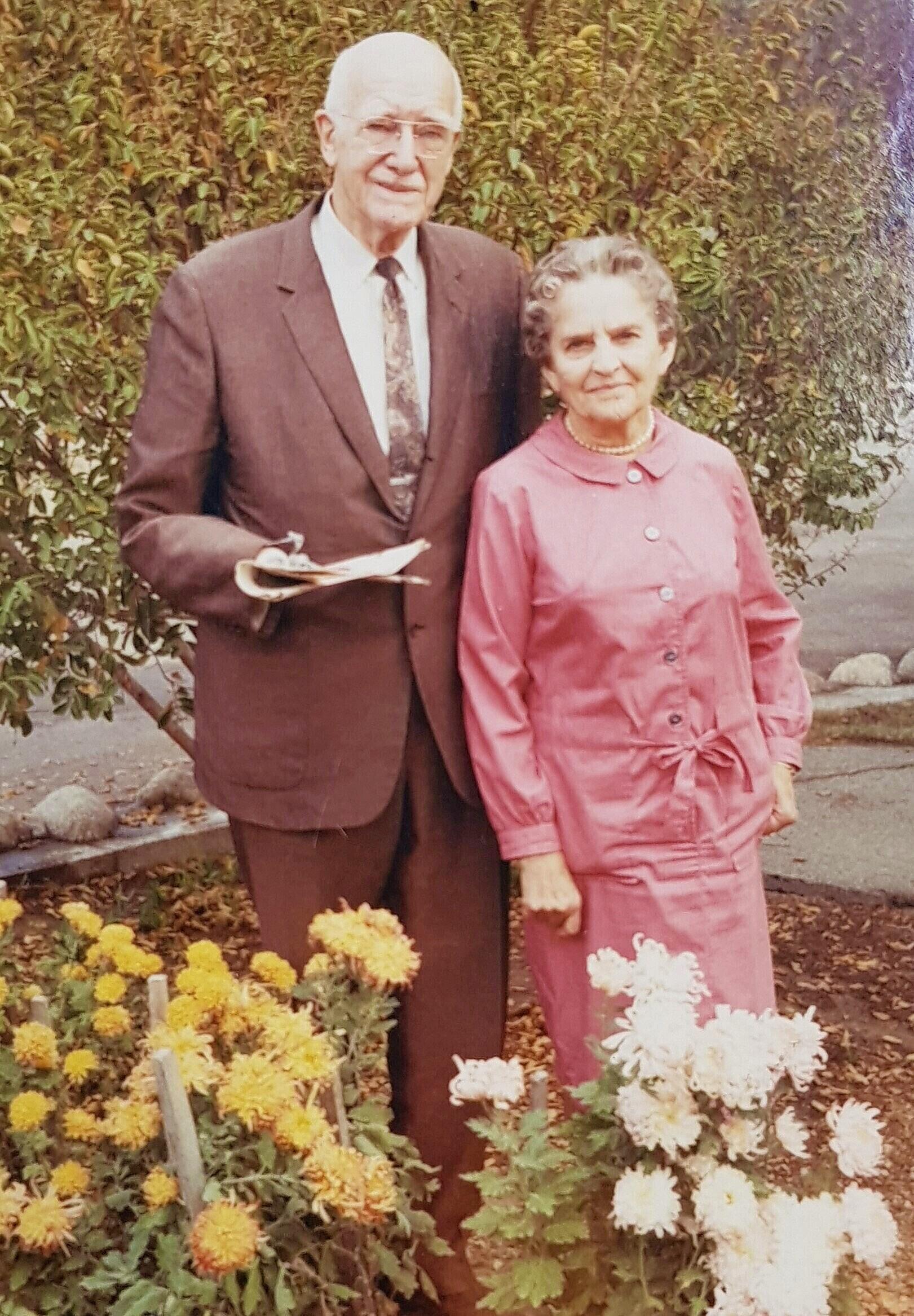 Amputee Rev. Dr. Reuben Torrey with his wife, Janet.