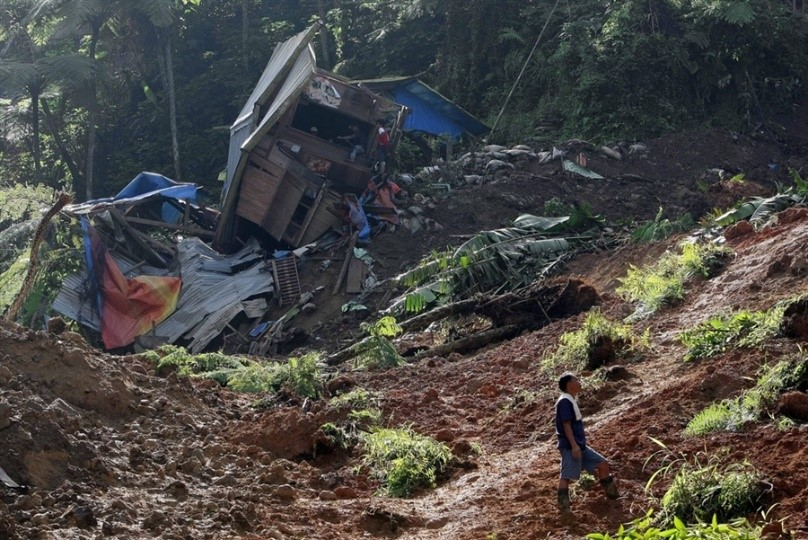 A view of the destruction caused by the landslide in Naga, Cebu.