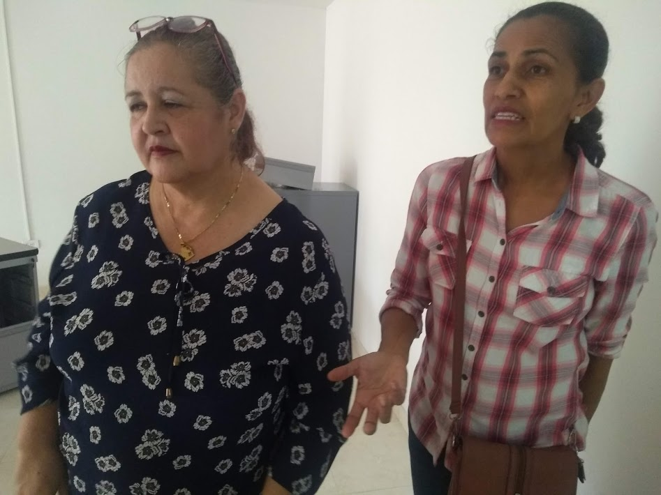 Elder Ruth Ahumada visits a church-sponsored community center in Barranquilla.