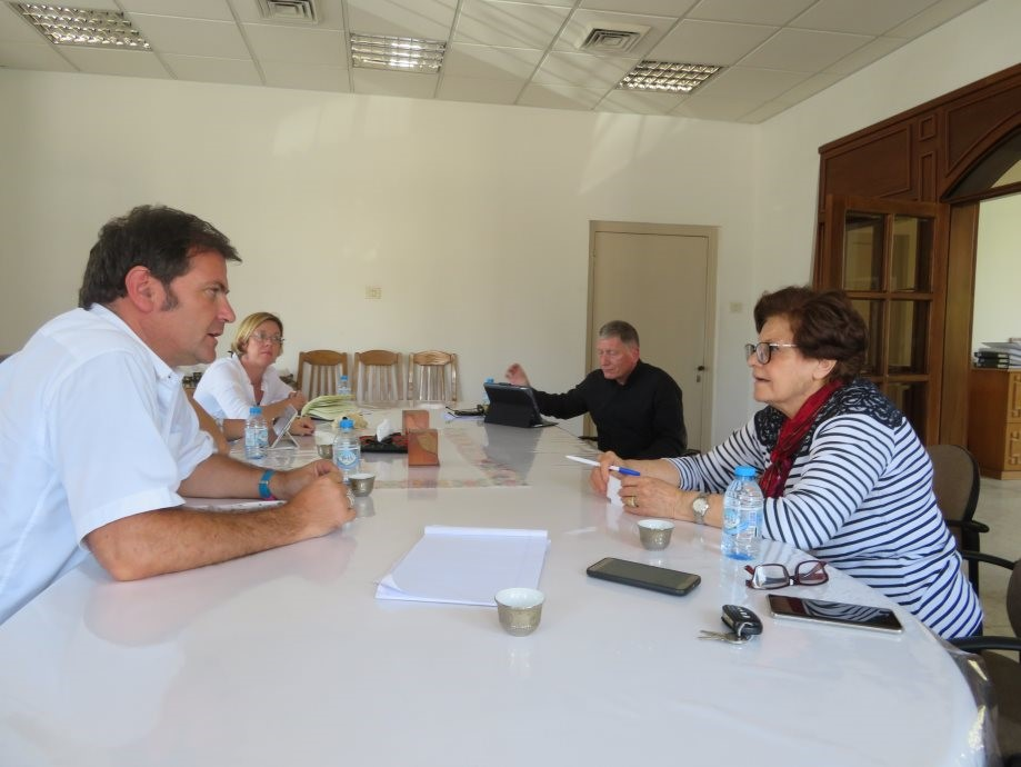 Pastor John McCulloch of the Church of Scotland and Ms. Suhaila Tarazi discuss conditions at the Ahli Arab Hospital in Gaza.