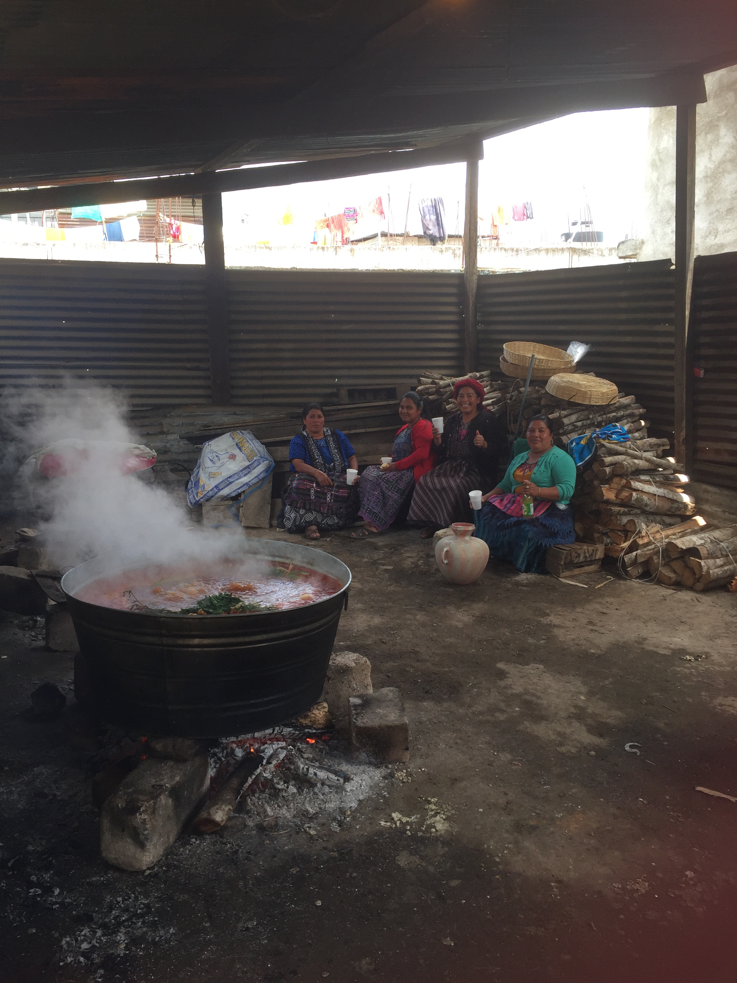 Sisters from Maya Quiché Presbiterial preparing lunch for their convention.