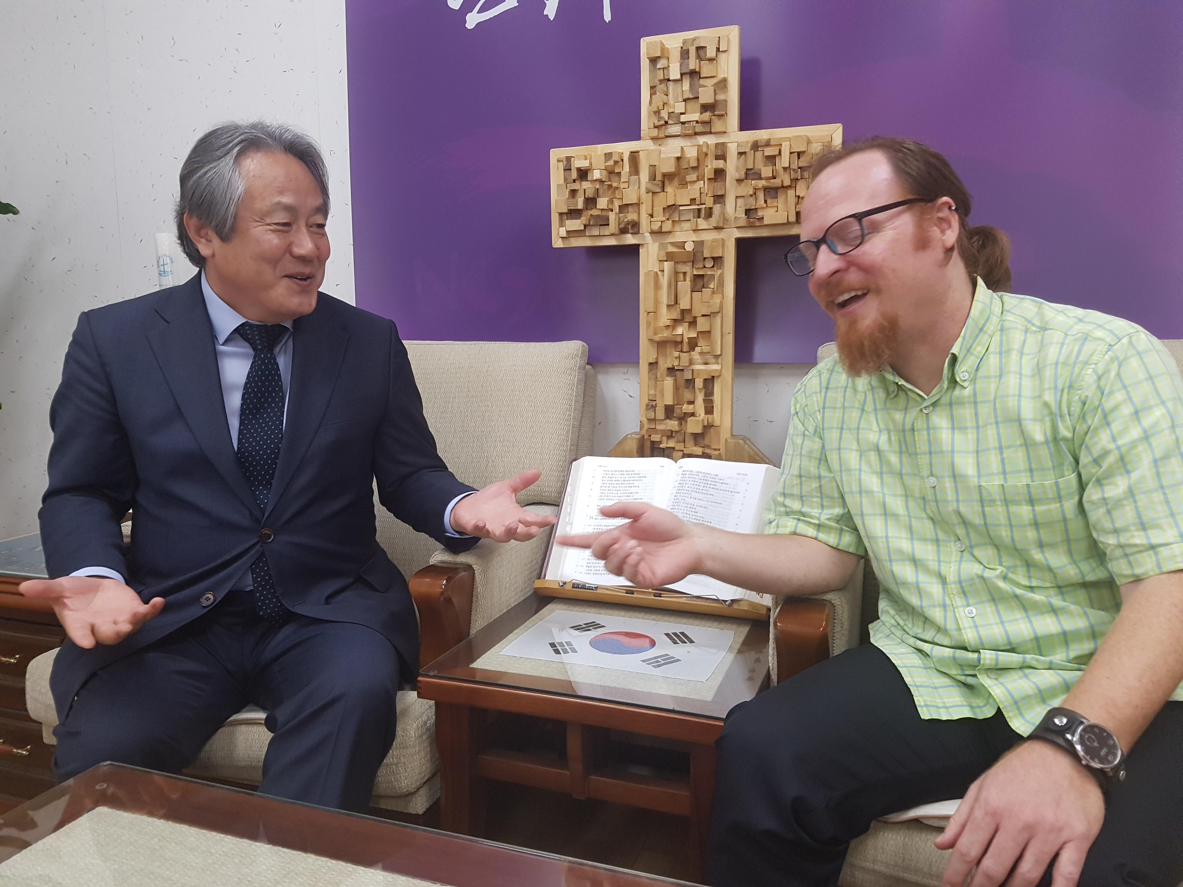 Rev. Lee Hong-jung shares stories of this visit to Pyongyang with Kurt.