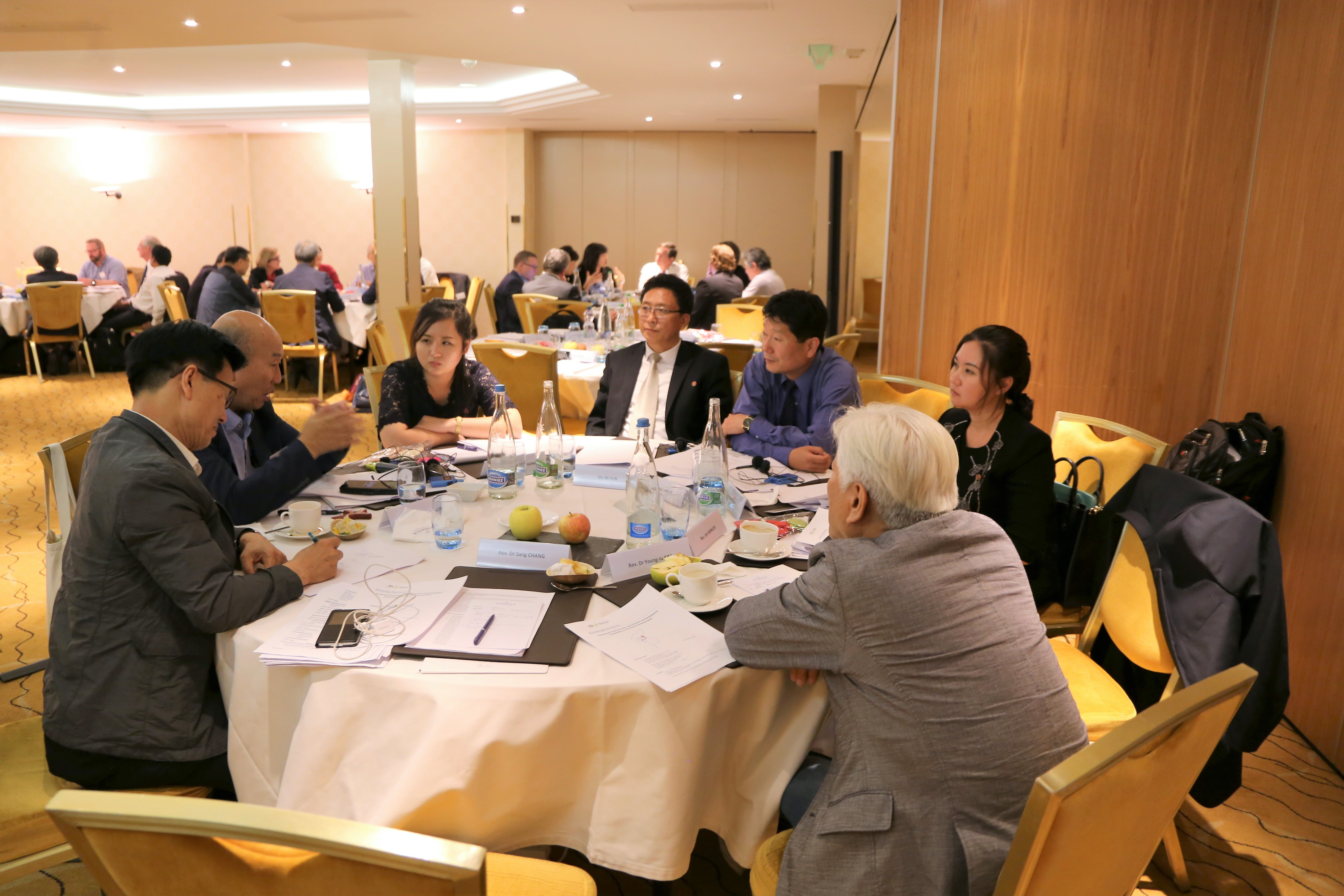Delegates from North and South Korea discuss potential ways to work with the Panmunjom Declaration.