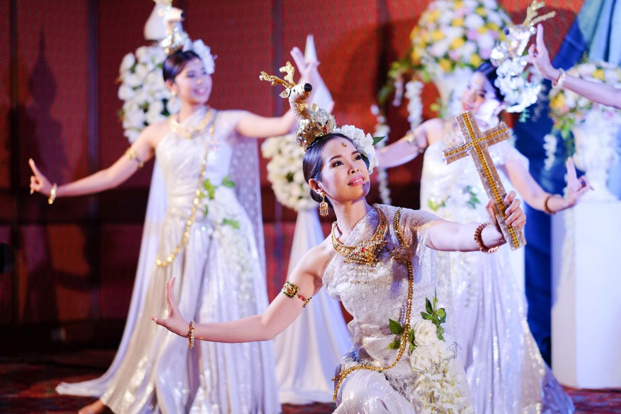 The Christian Communications Institute shares the beauty of Thai dance, communicating the grace of Jesus Christ for the opening dinner of the Association of Christian Universities and Colleges in Asia Conference held at Payap University in October, 2017.