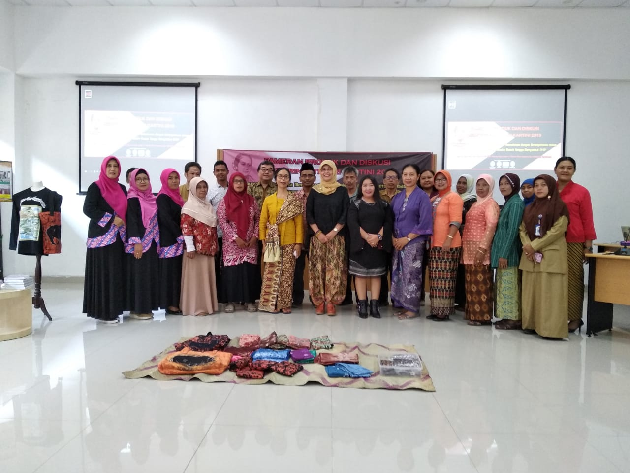 Participants at the exhibition for Kartini Day's celebration.