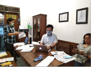 Auditing conducted by the auditor of Indonesian Forum of Fair Trade at the office of HAS Co-op.