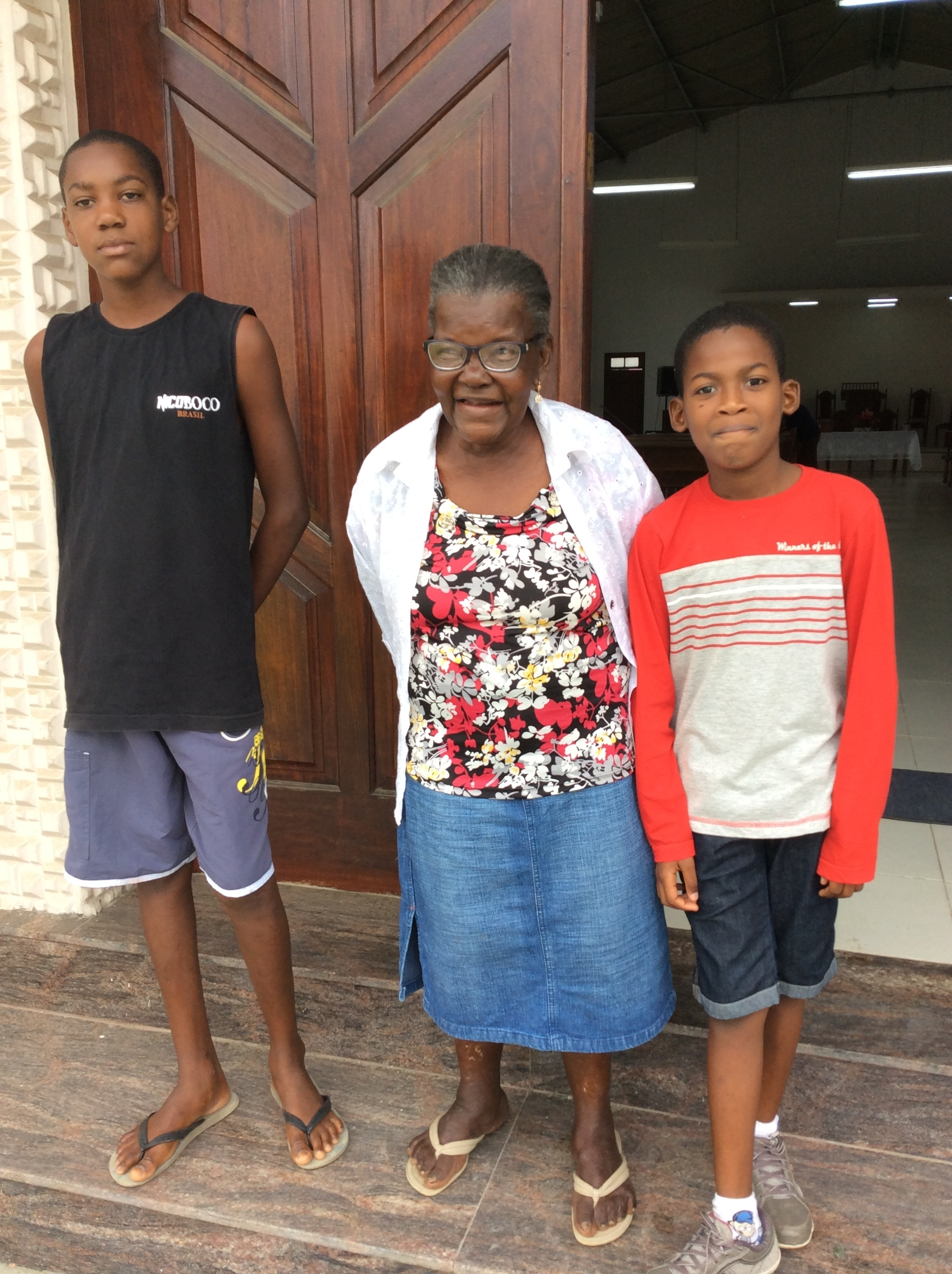 Maria Galio with two of her grandsons at Sunday School. Diogo, on the left, is a polite, attentive student. Gabriel, on the right, is taking Dorothy's English I class.