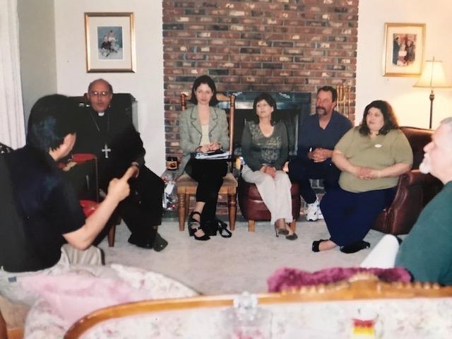 Representatives of La Oroya meet with community members of Herculaneum in the home of Rev. Ellie Stock in St. Louis, Missouri. Photo Credit: Ellie Stock