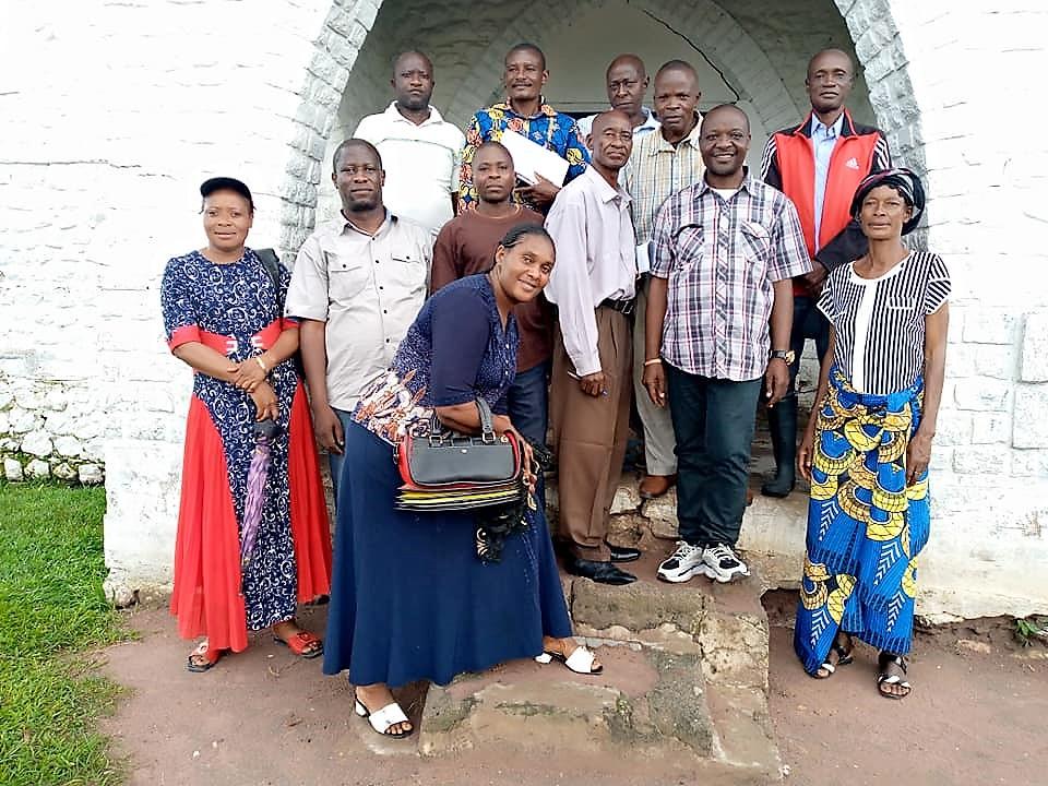 Trainers and Participants in Muene Ditu.