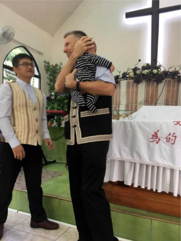 Baptizing Va Du.