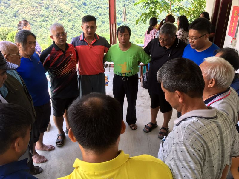 Bunun pastors singing in their eight-part harmony.
