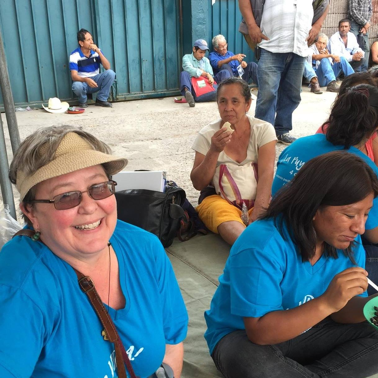 Accompanying the La Puya Resistance in 2016, as they set up a new protest site in front of the office of the Ministry of Energy and Mining.