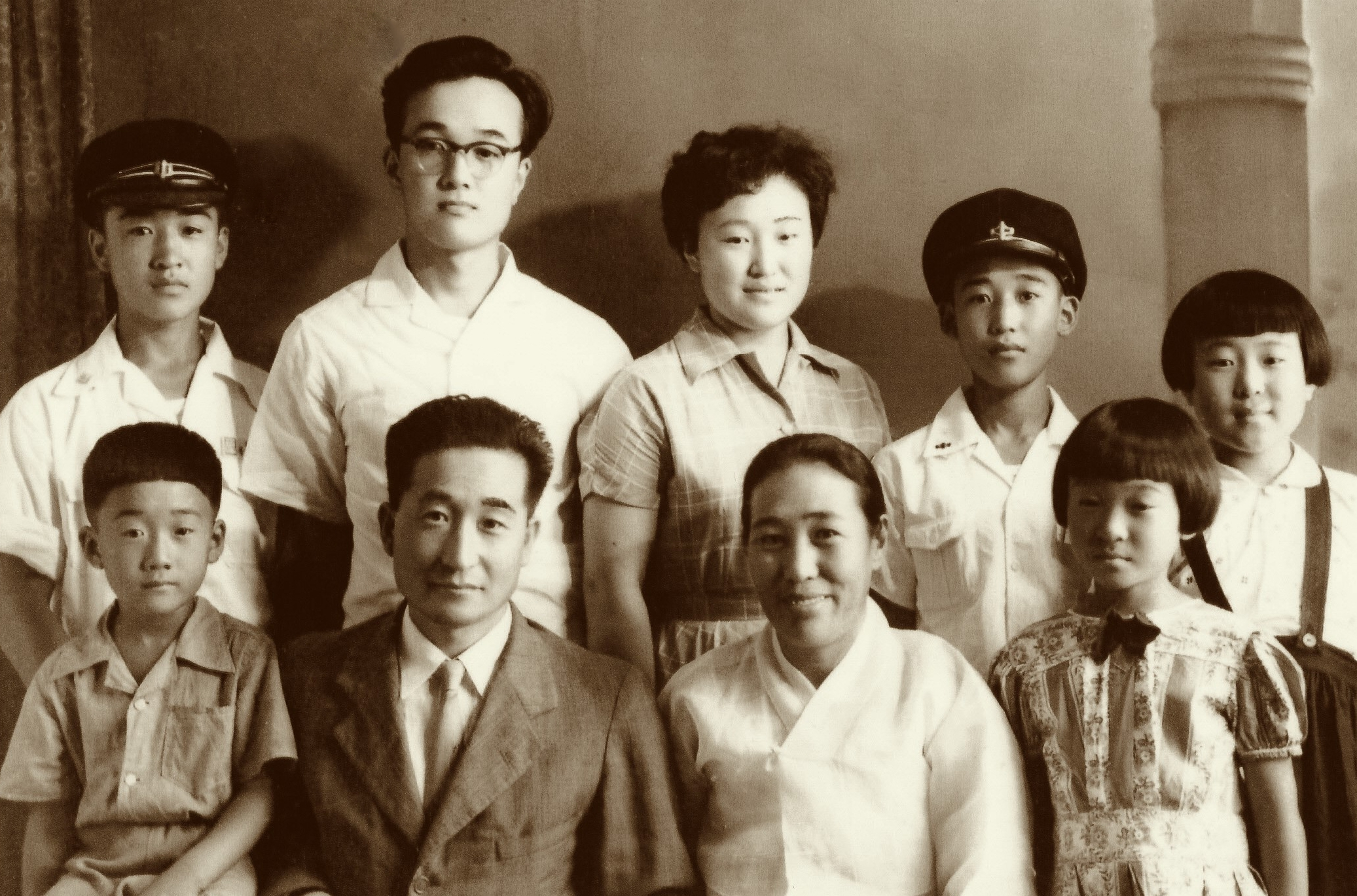 Front row (far right), Cathy Chang's mother, Haewon Lee, with her parents and siblings in Korea (1950s). Photo credit: Rosaline Maria