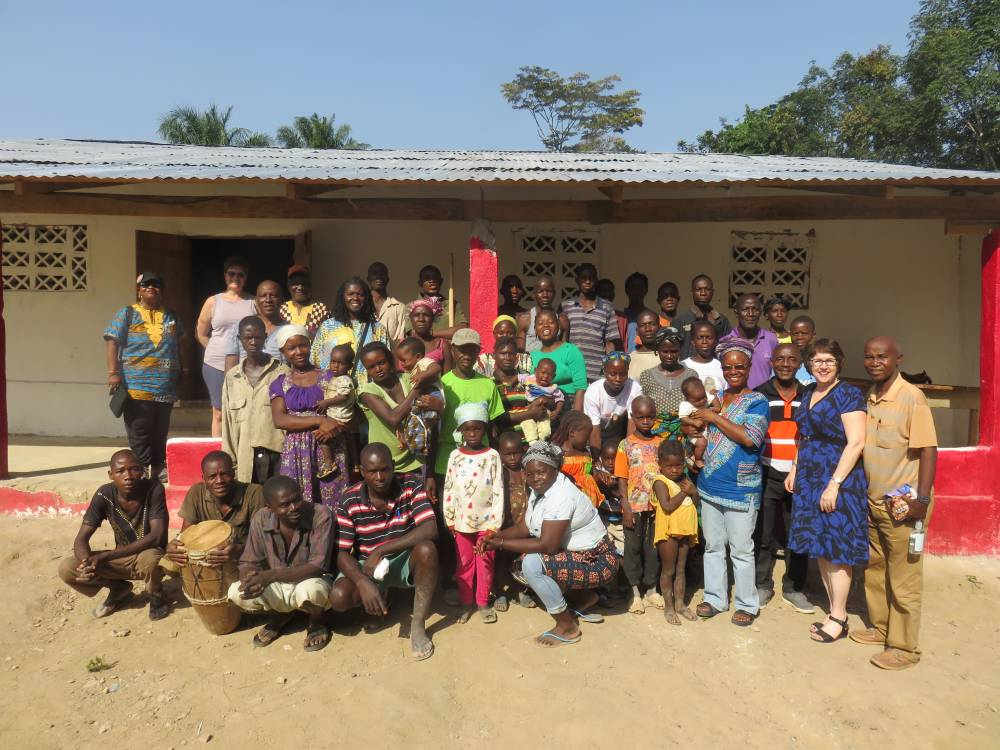 The congregation of Gbansue Nyankai hosted guests from the PC(USA). (Photo by Joshua Heikkila)