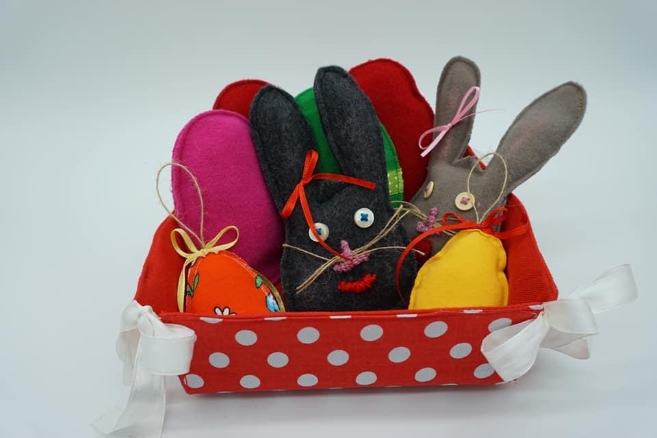 Easter decorations are created by Peri-Ergon Social Cooperative Enterprise.