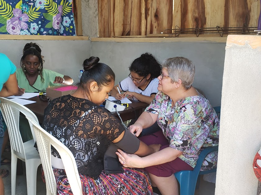 Medical Team from Middle Tennessee on a visit to their partner in the Petén presbytery.