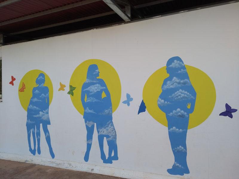 A mural at Tierra Grata highlights FARC women's hopes for the future through motherhood.