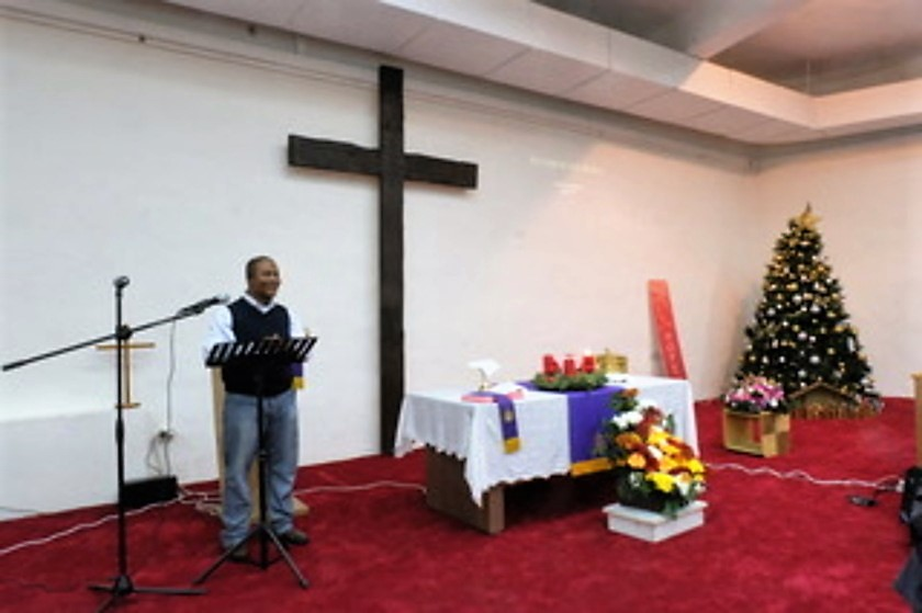 Due to the many foreign migrant workers who will be working during the holidays, International Community Church gathers for its special Christmas service early in December.