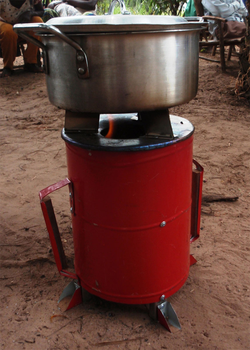 Mpoko women with their clean cook stoves