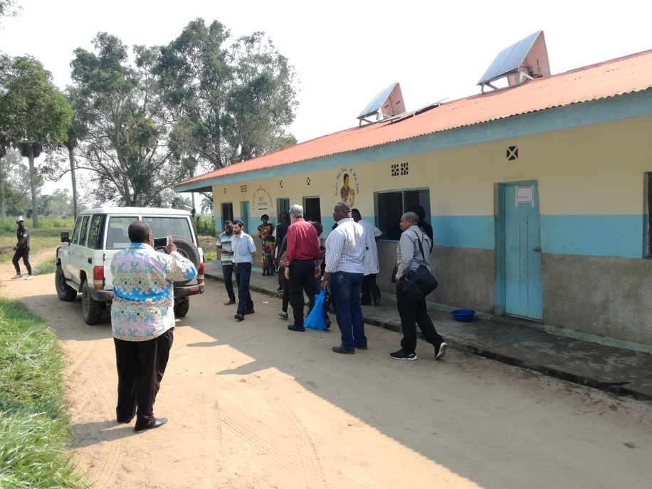 Catholic Health Center at Mapangu with solar panels on the roof provided by the ASSP project.