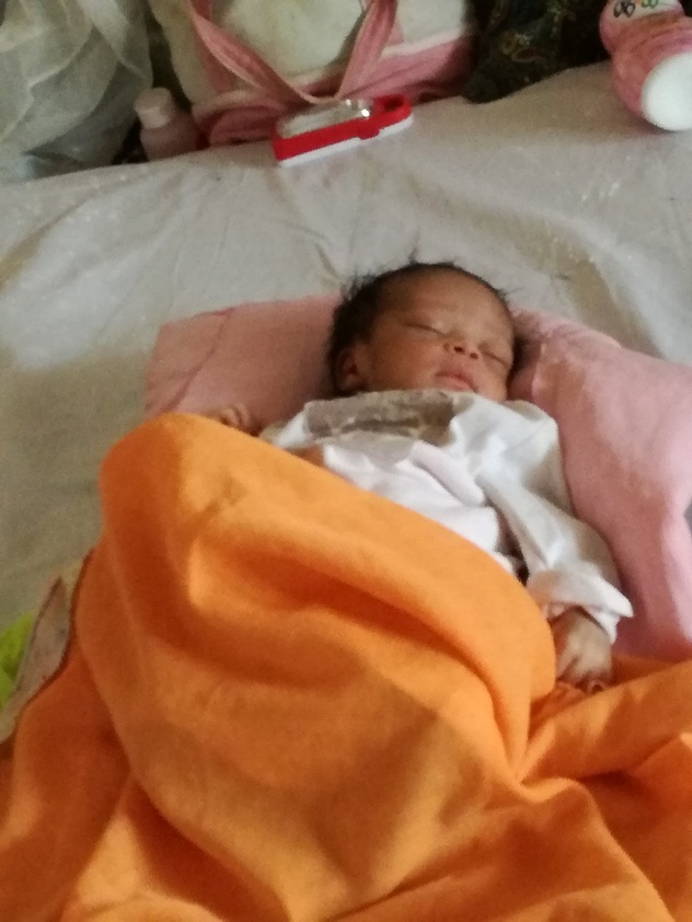 A newborn baby at Mapangu Reference Health Center supported by the ASSP project.