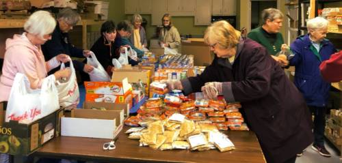 food pantry photo with volunteers