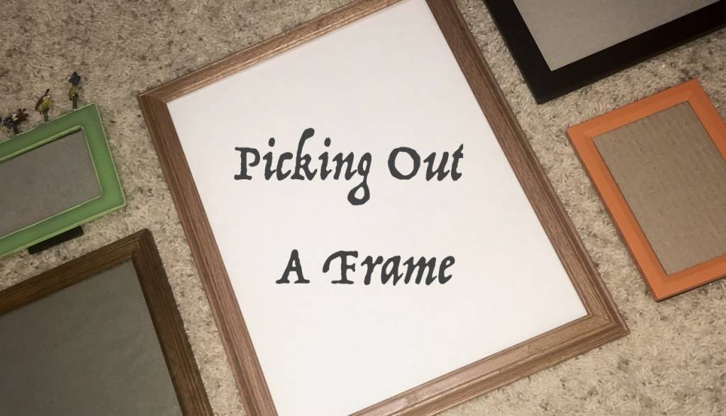 Empty picture frames available for choosing