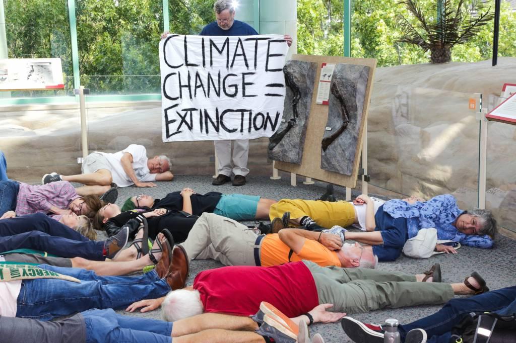 Climate Change =Extinction